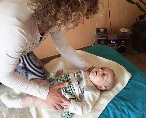 massaggi neonati